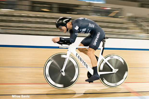 Lionel Sanders Smashes Canadian Hour Record